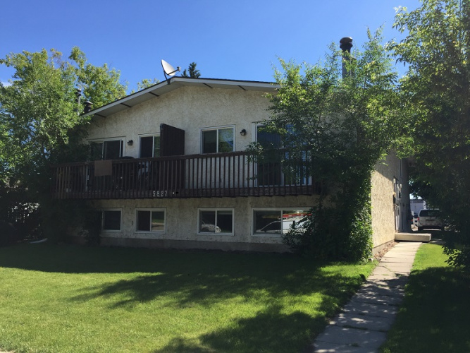 Fourplex For Rent 5827-52 Avenue, Red Deer, 3 Bedrooms, 1 Bathroom
